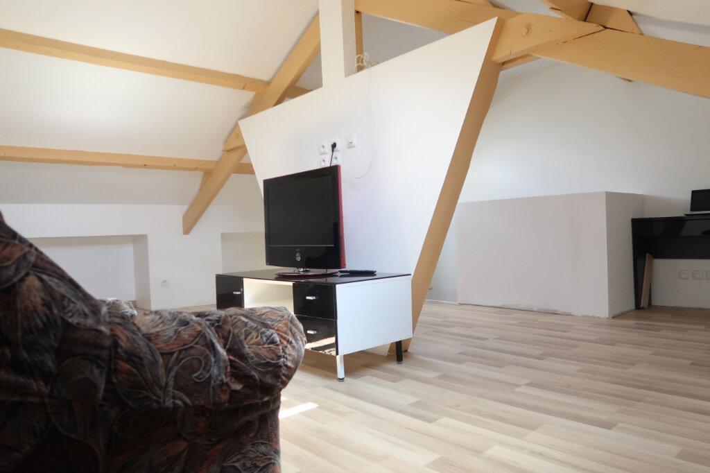 Maison à vendre 5 125m2 à Saint-Quentin vignette-4