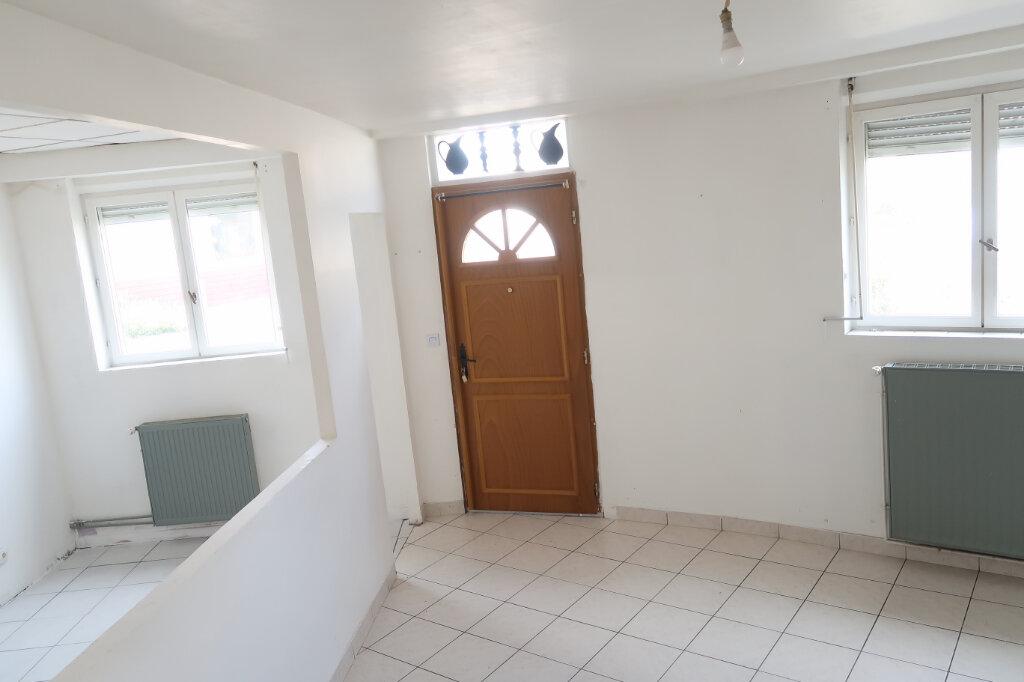 Maison à vendre 6 119m2 à Tergnier vignette-2