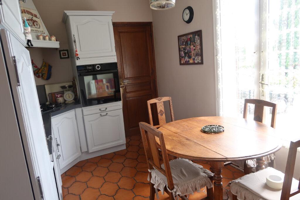 Maison à vendre 6 110m2 à Fontaine-Notre-Dame vignette-5