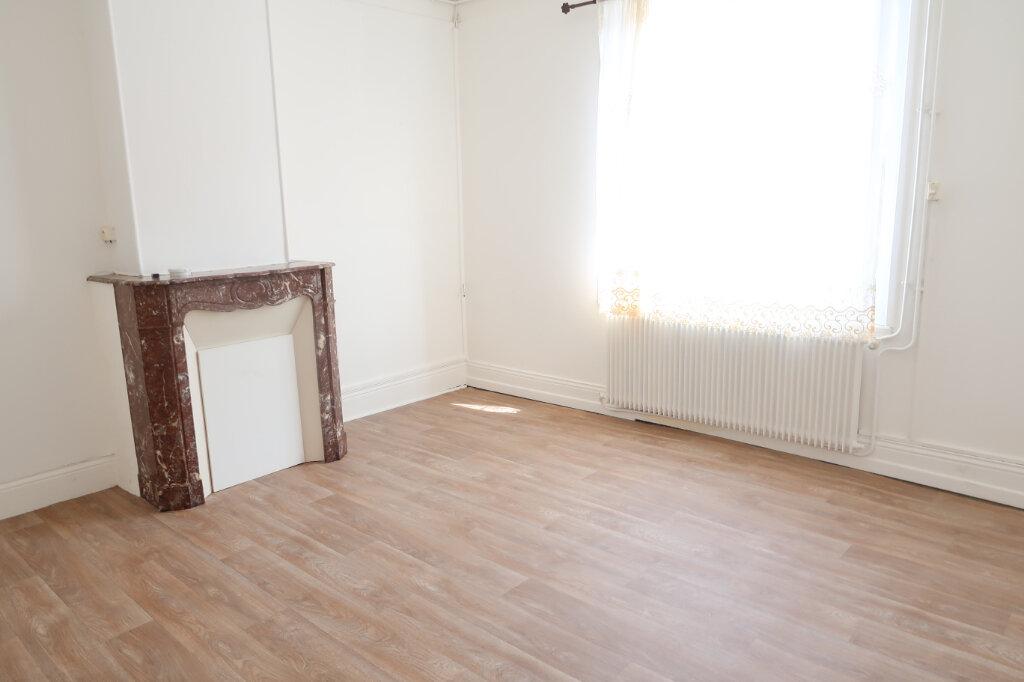 Appartement à louer 2 48m2 à Saint-Quentin vignette-3