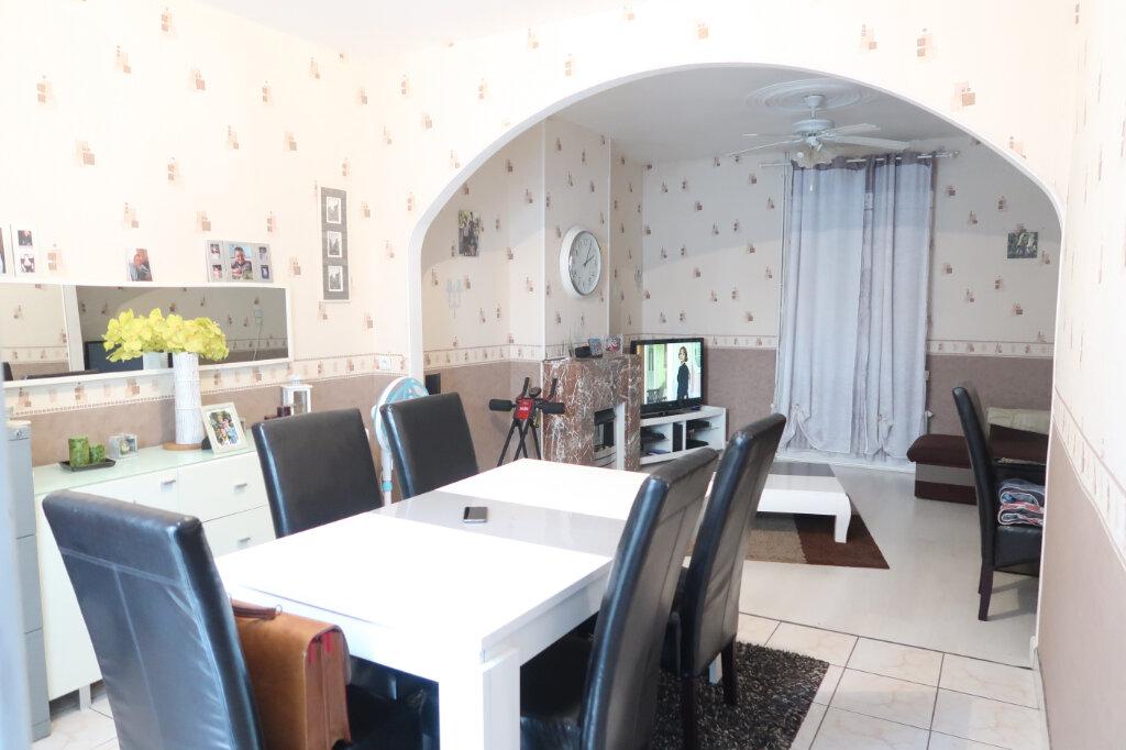 Maison à vendre 4 70m2 à Saint-Quentin vignette-1
