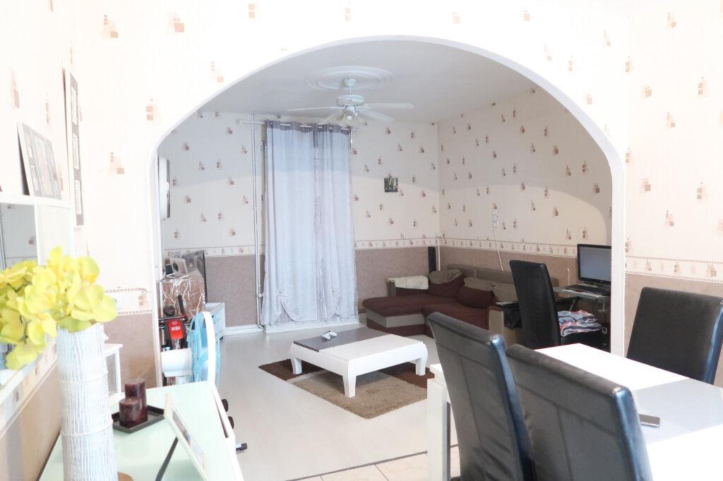 Maison à vendre 4 70m2 à Saint-Quentin vignette-3