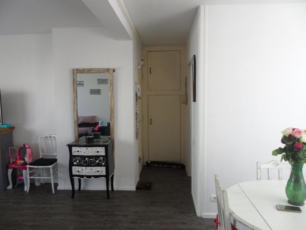 Appartement à vendre 5 66m2 à Saint-Quentin vignette-5