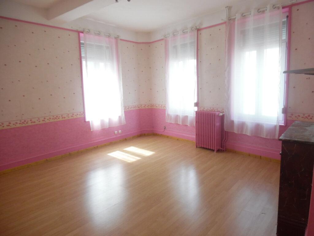 Maison à vendre 8 212m2 à Saint-Quentin vignette-5