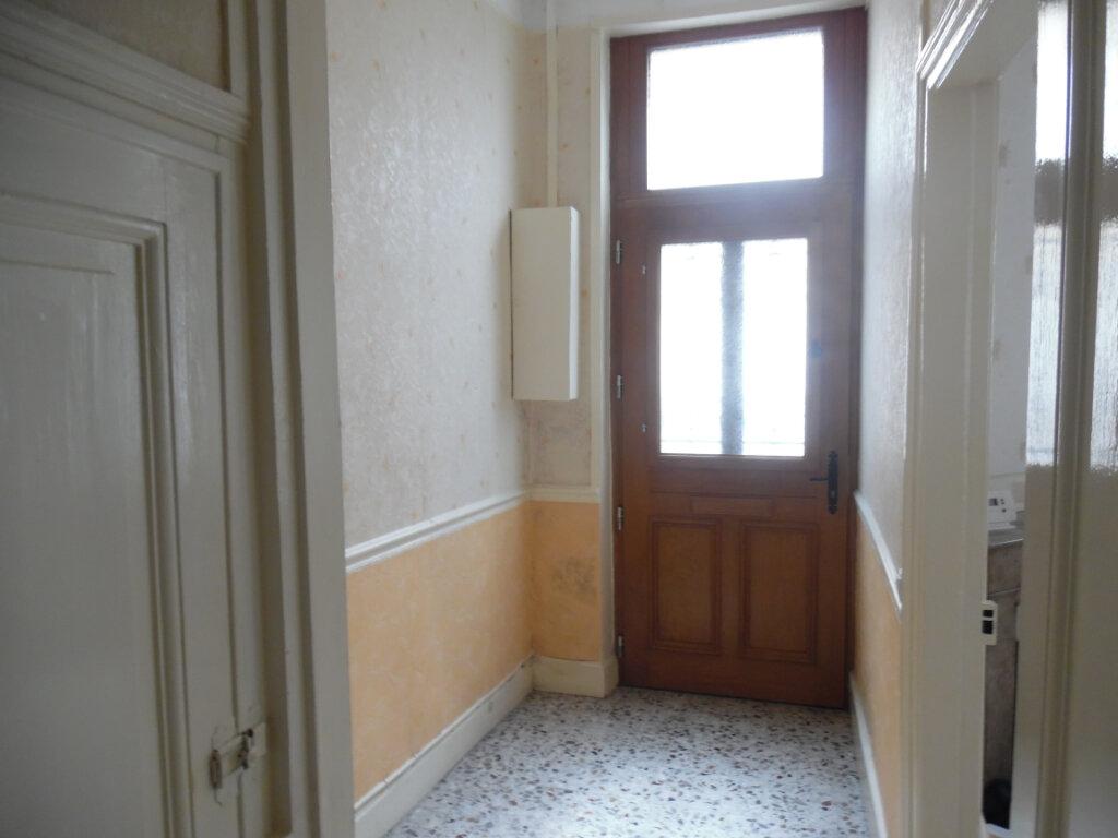 Maison à vendre 8 212m2 à Saint-Quentin vignette-9