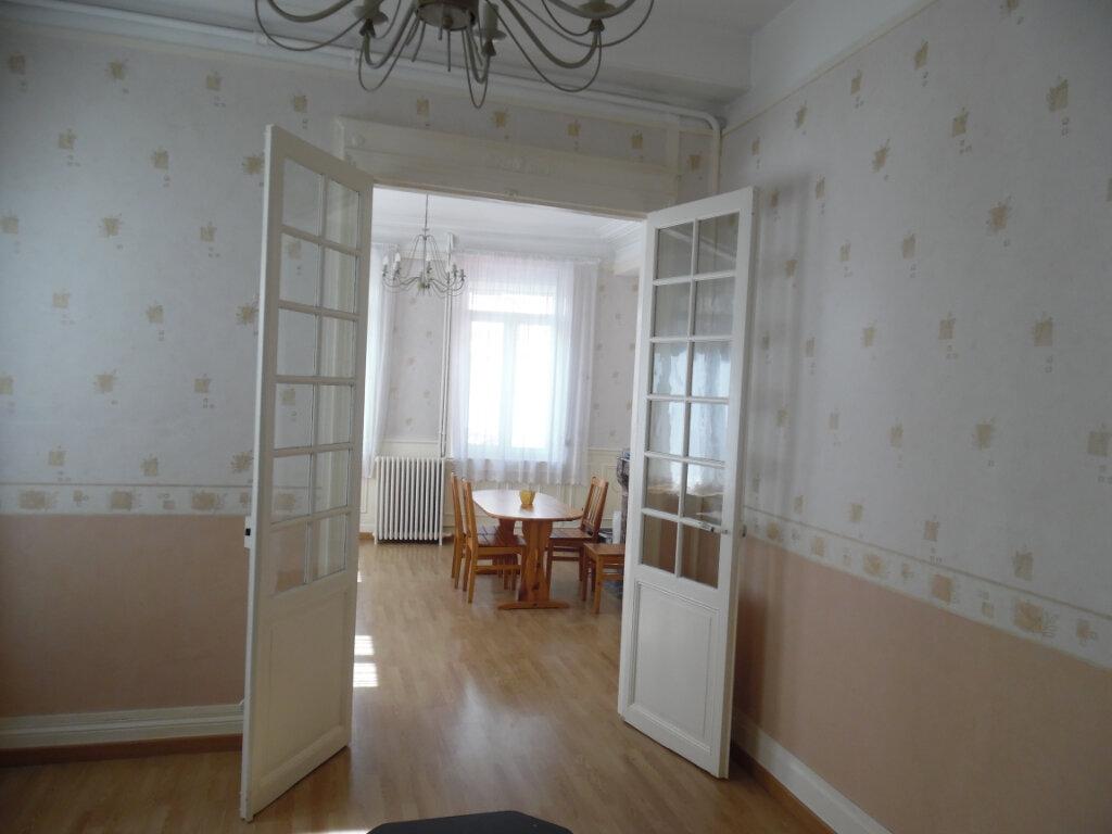 Maison à vendre 8 212m2 à Saint-Quentin vignette-10