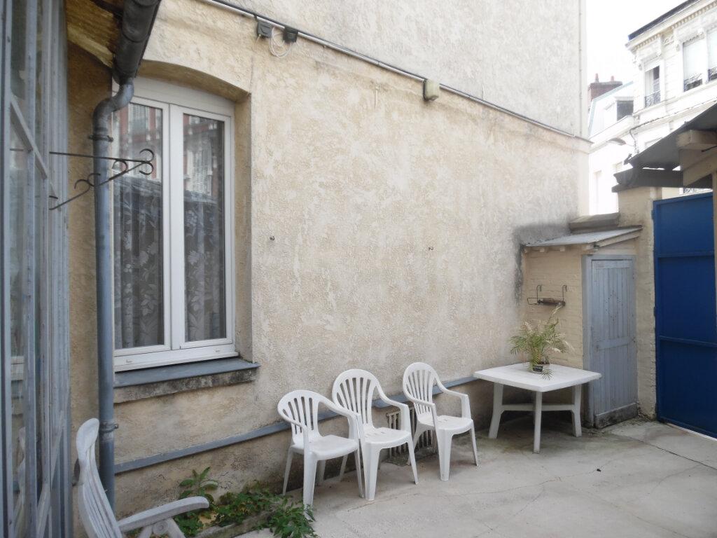 Maison à vendre 8 212m2 à Saint-Quentin vignette-13