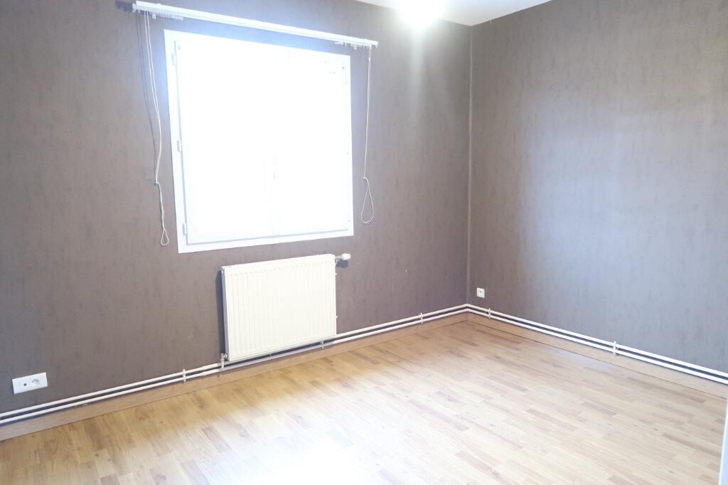 Appartement à louer 3 64m2 à Tergnier vignette-3