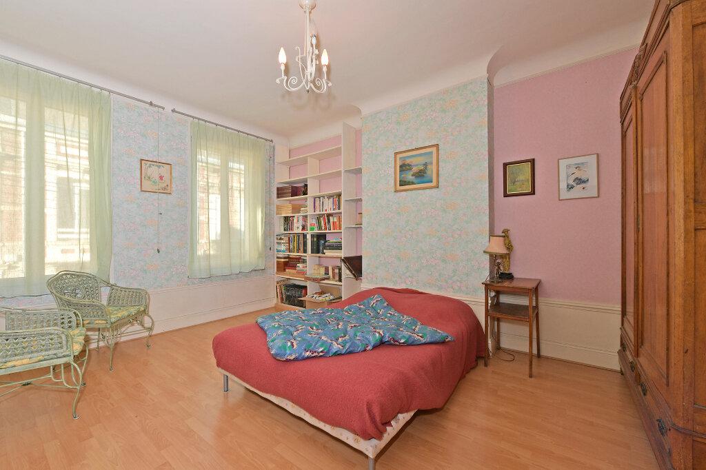 Maison à vendre 8 172m2 à Saint-Quentin vignette-4