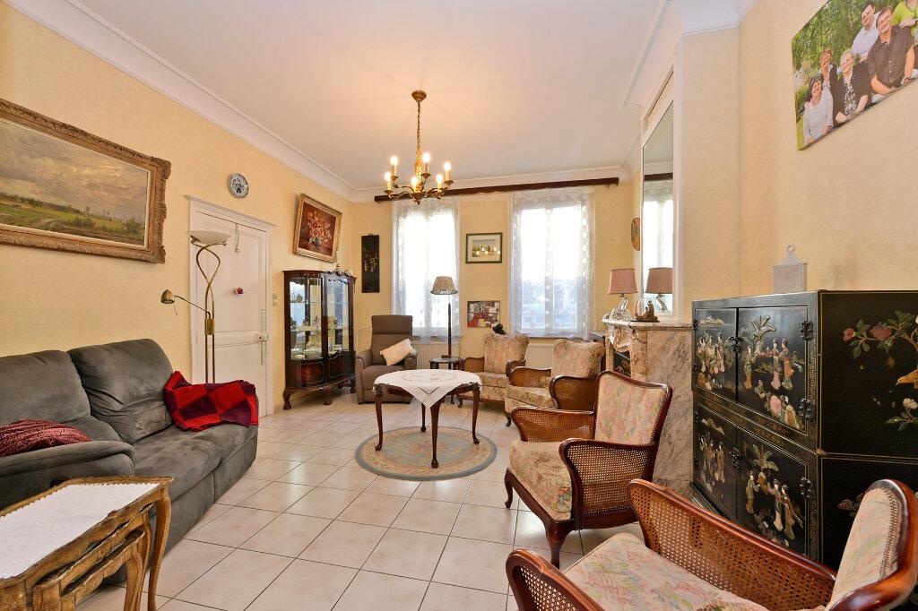 Maison à vendre 8 172m2 à Saint-Quentin vignette-7