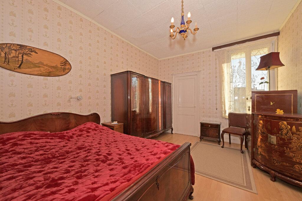 Maison à vendre 8 172m2 à Saint-Quentin vignette-11