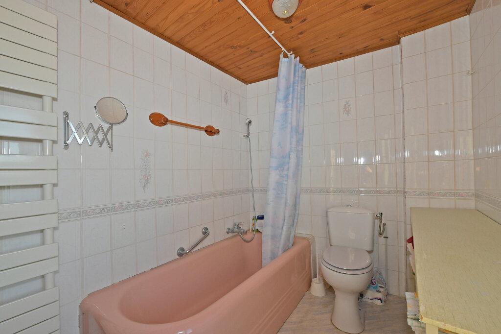 Maison à vendre 8 172m2 à Saint-Quentin vignette-12