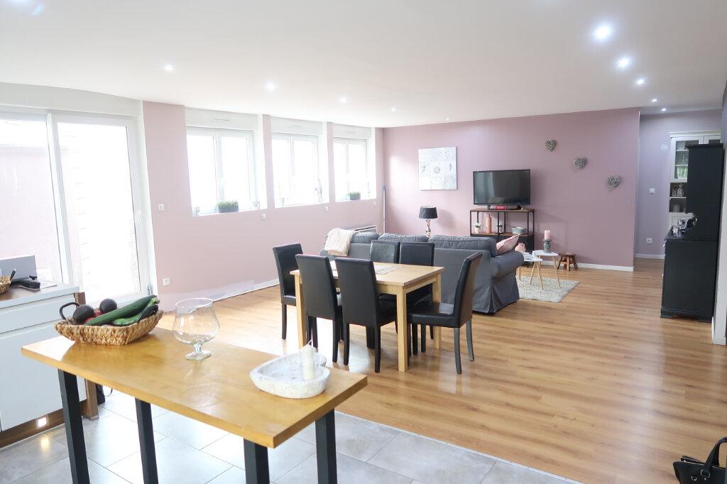 Maison à vendre 5 145m2 à Saint-Quentin vignette-1