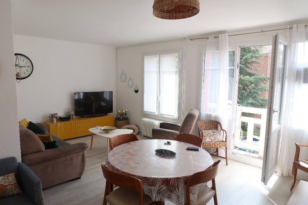 Appartement à louer 3 68.69m2 à Amiens vignette-1