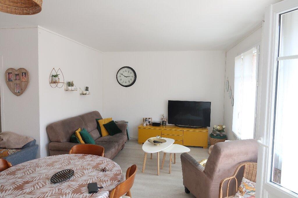 Appartement à louer 3 68.69m2 à Amiens vignette-2