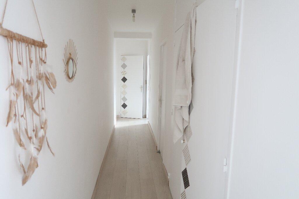 Appartement à louer 3 68.69m2 à Amiens vignette-8