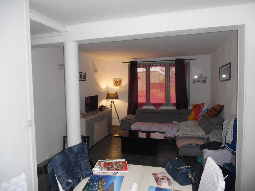 Appartement à vendre 4 66m2 à Saint-Quentin vignette-2