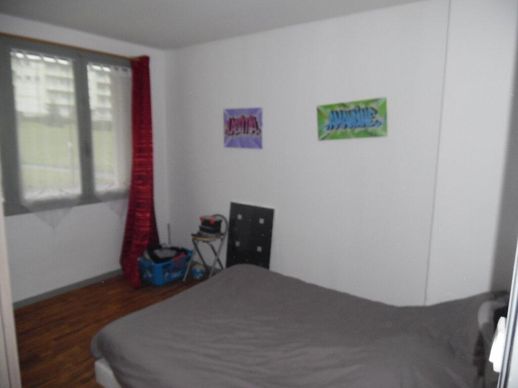 Appartement à vendre 4 66m2 à Saint-Quentin vignette-4