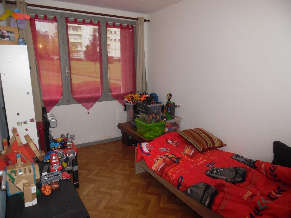 Appartement à vendre 4 66m2 à Saint-Quentin vignette-5