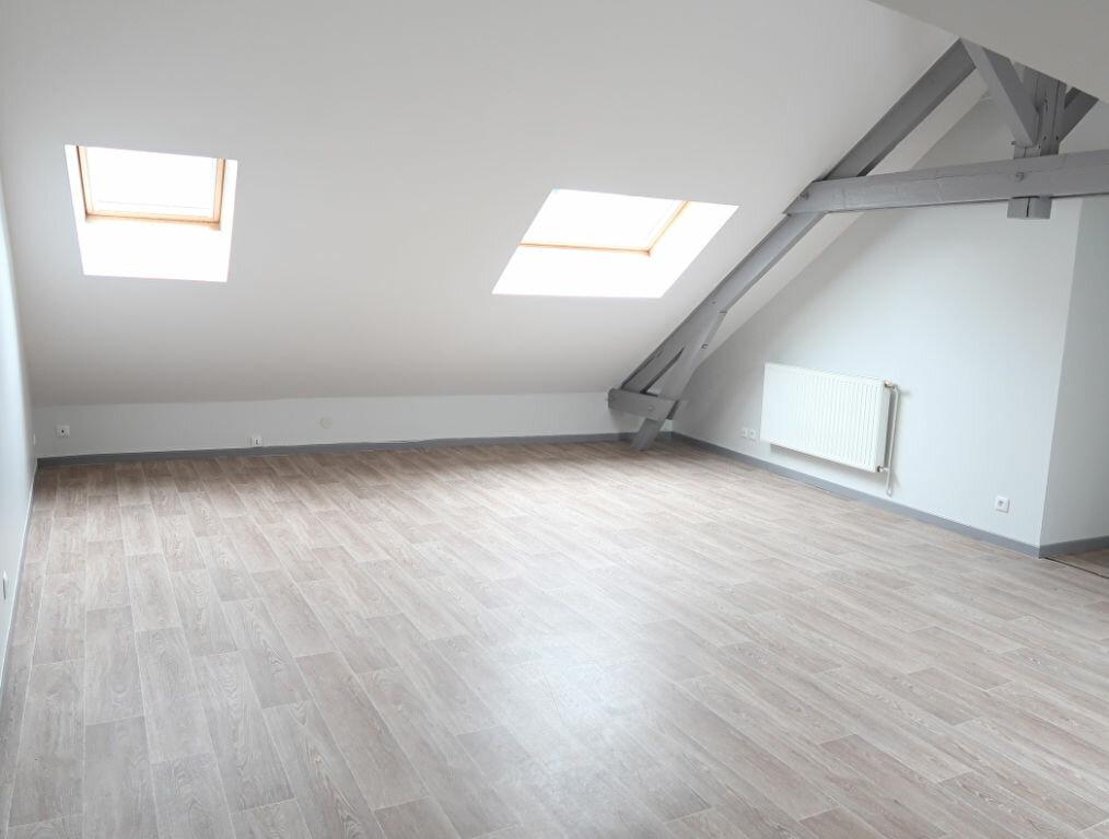Appartement à louer 2 32m2 à Saint-Quentin vignette-1