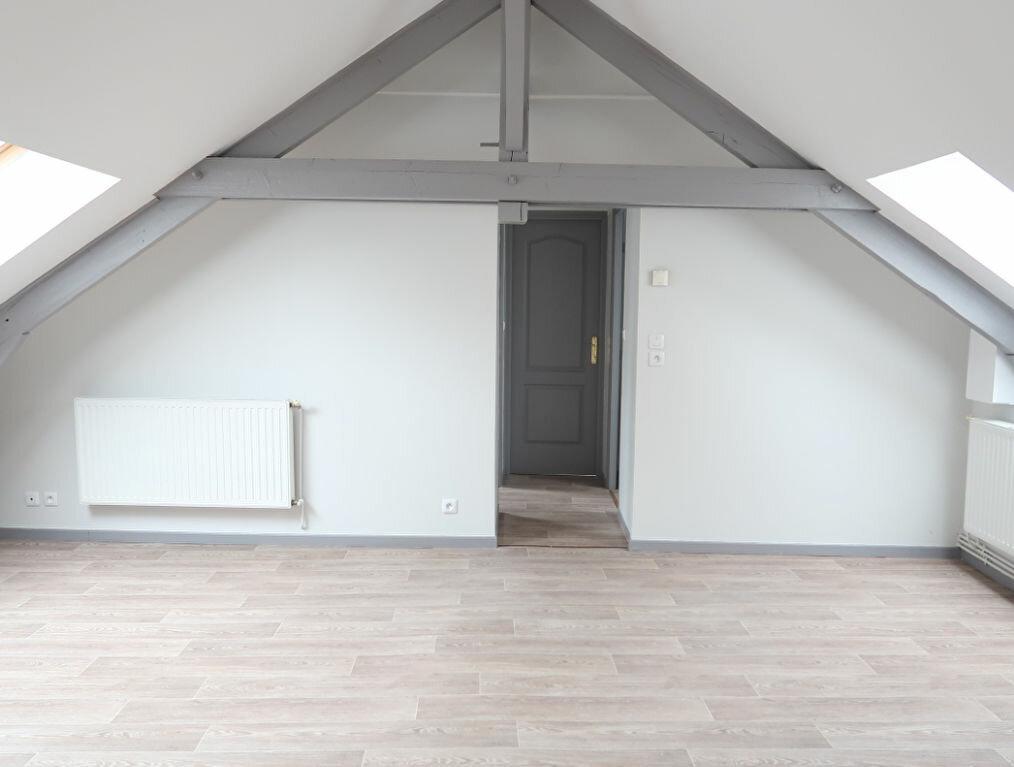 Appartement à louer 2 32m2 à Saint-Quentin vignette-2