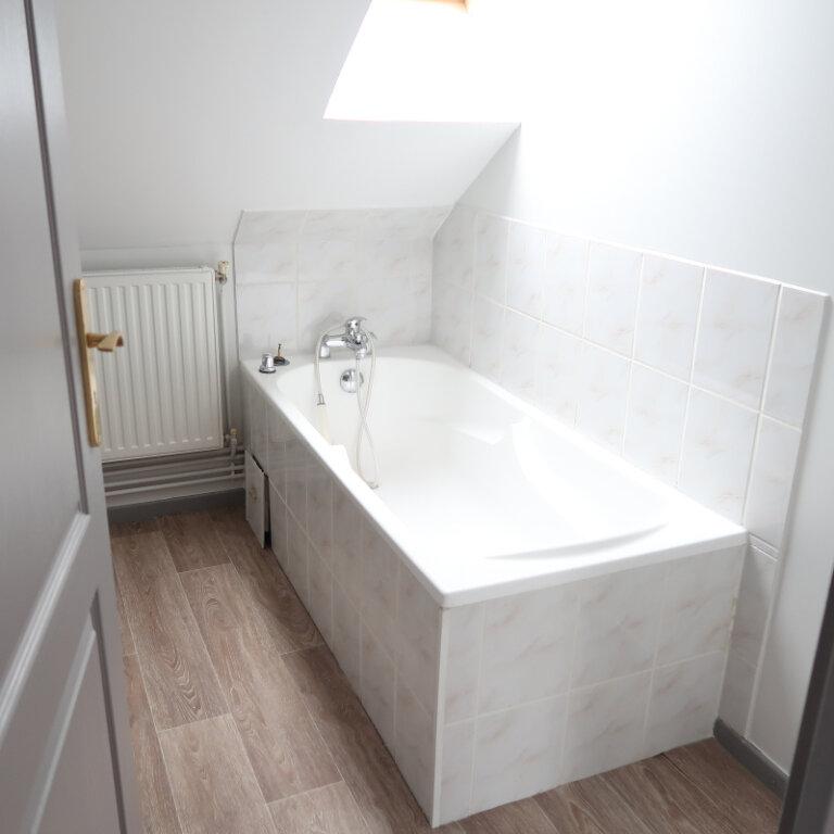 Appartement à louer 2 32m2 à Saint-Quentin vignette-3