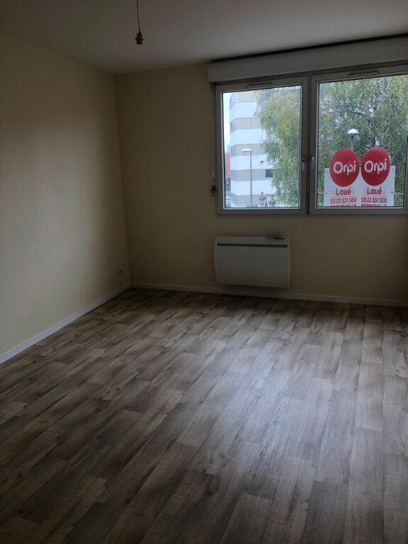 Appartement à louer 1 22m2 à Amiens vignette-2