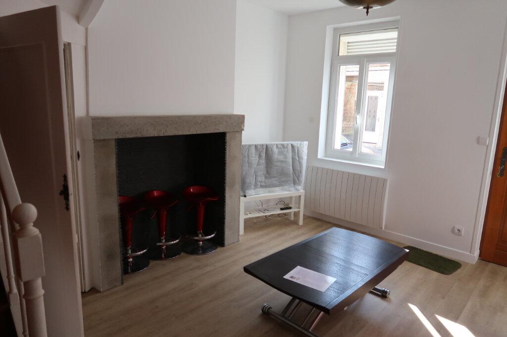 Maison à louer 3 60m2 à Amiens vignette-1