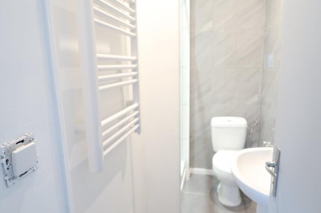 Appartement à louer 2 55m2 à Saint-Quentin vignette-4