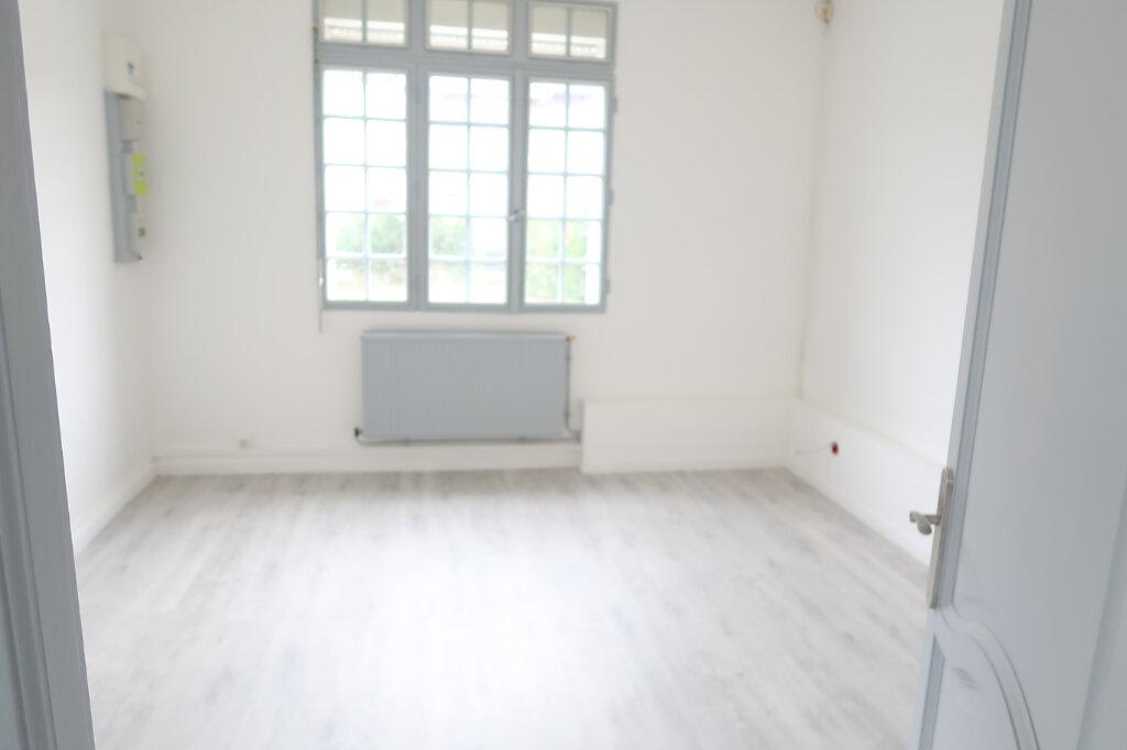 Appartement à louer 2 55m2 à Saint-Quentin vignette-6