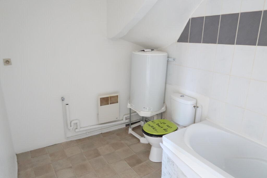 Appartement à louer 2 29m2 à Saint-Quentin vignette-4