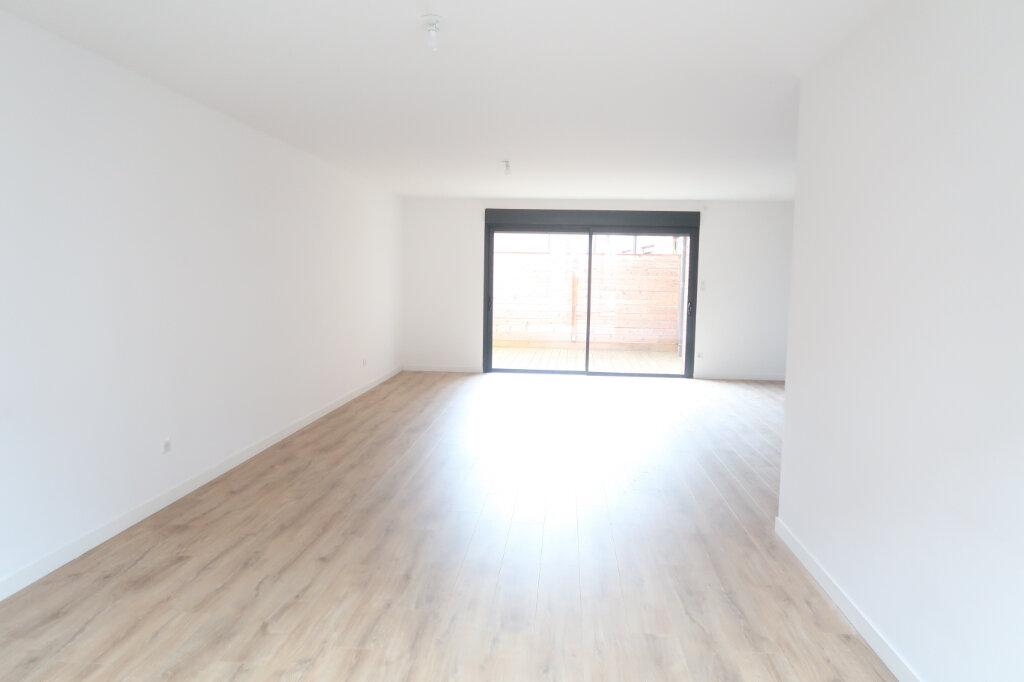 Appartement à louer 4 113.75m2 à Saint-Quentin vignette-3