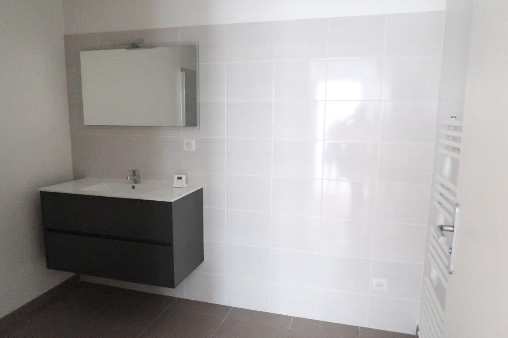 Appartement à louer 4 113.75m2 à Saint-Quentin vignette-8