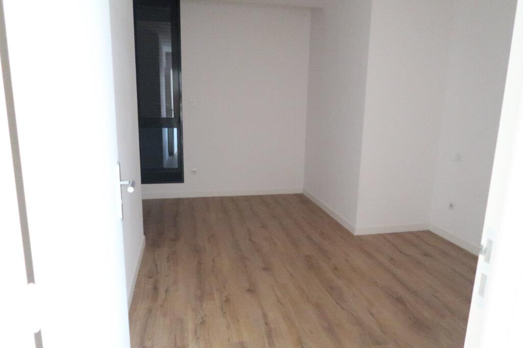 Appartement à louer 4 113.75m2 à Saint-Quentin vignette-10