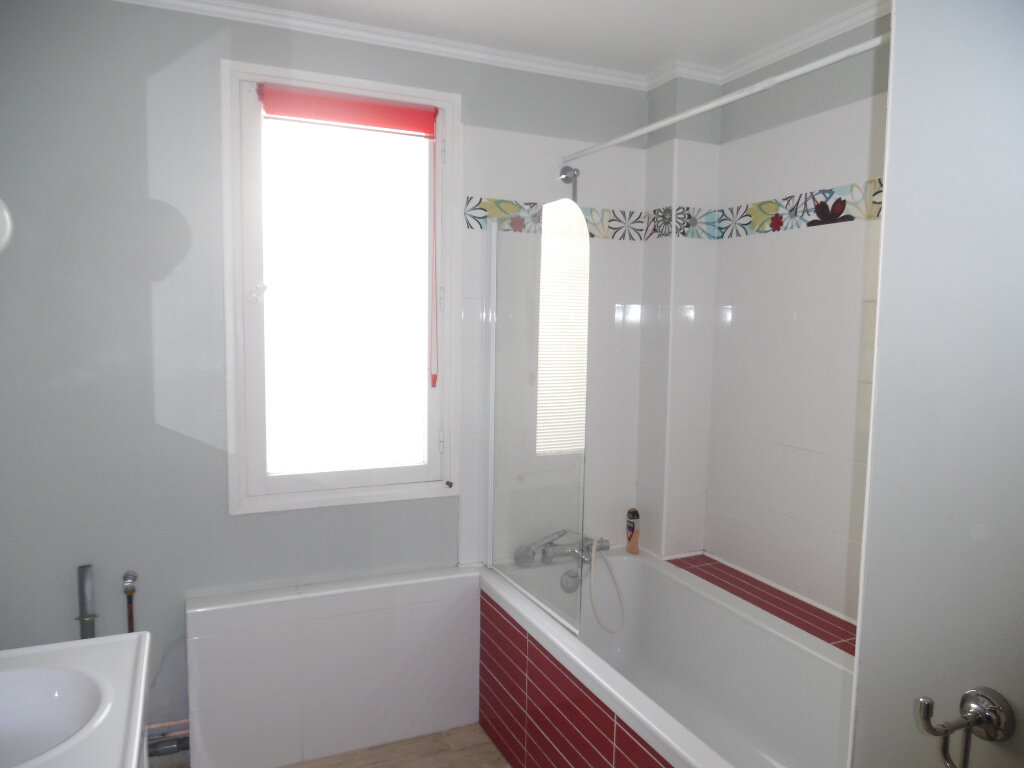 Appartement à vendre 5 112m2 à Saint-Quentin vignette-6
