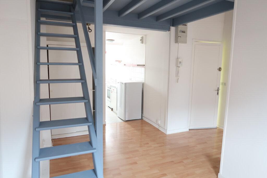 Appartement à louer 1 36m2 à Amiens vignette-3