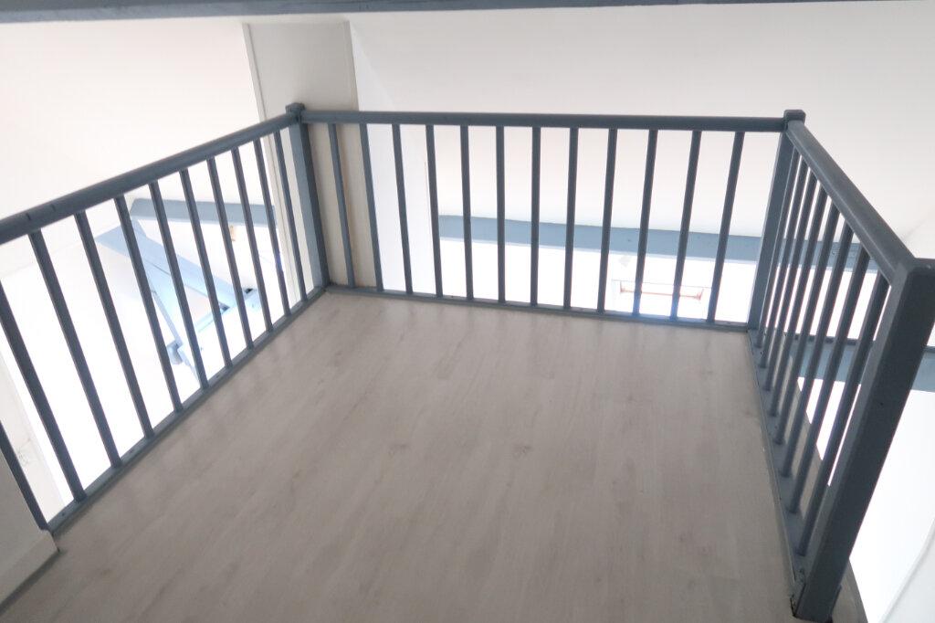 Appartement à louer 1 36m2 à Amiens vignette-6
