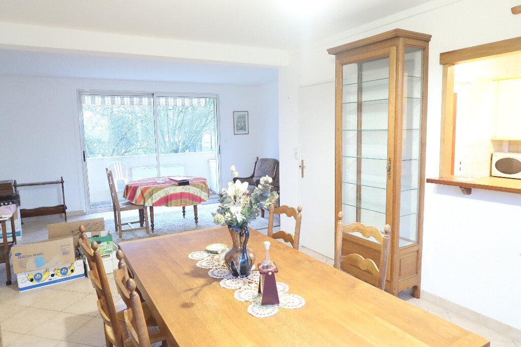 Appartement à vendre 6 117m2 à Saint-Quentin vignette-1