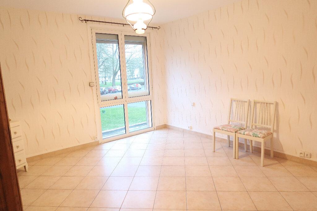 Appartement à vendre 6 117m2 à Saint-Quentin vignette-2
