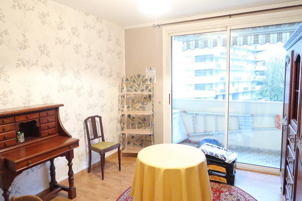 Appartement à vendre 6 117m2 à Saint-Quentin vignette-3