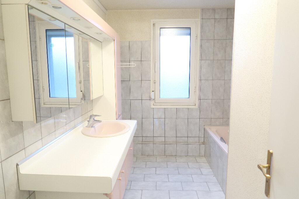 Appartement à vendre 6 117m2 à Saint-Quentin vignette-5