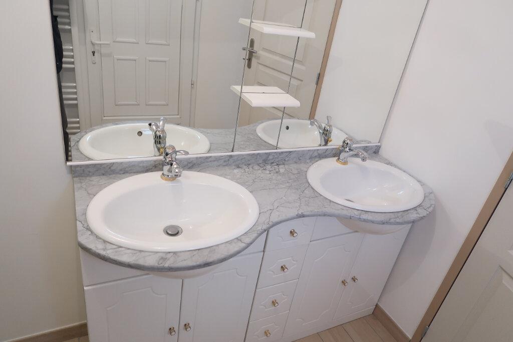 Maison à louer 4 74.57m2 à Saint-Quentin vignette-4