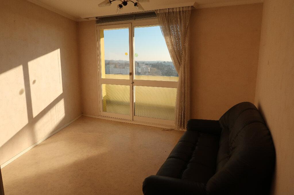 Appartement à vendre 5 93m2 à Saint-Quentin vignette-6