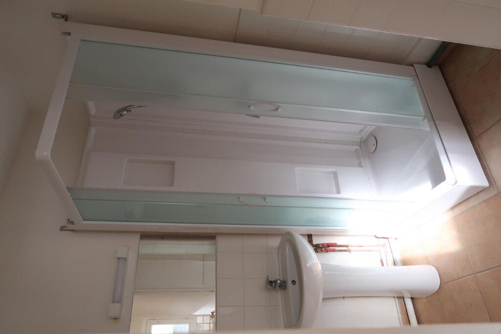 Appartement à louer 2 48m2 à Amiens vignette-4