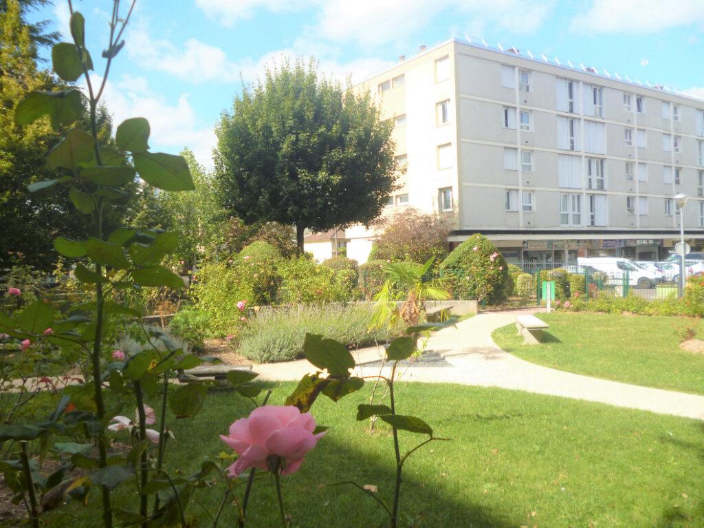Appartement à vendre 3 63m2 à Soisy-sous-Montmorency vignette-1