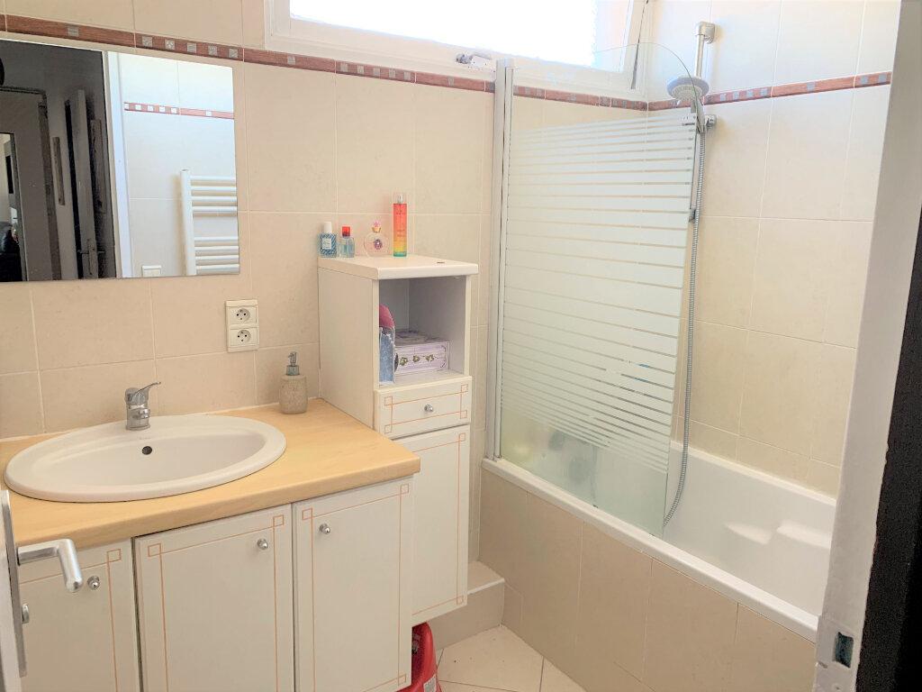 Appartement à vendre 3 63m2 à Soisy-sous-Montmorency vignette-5