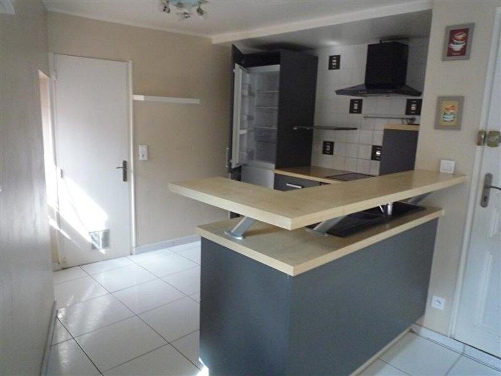 Appartement à louer 2 55m2 à Tullins vignette-3