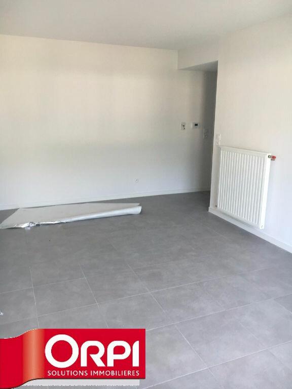 Appartement à louer 1 31.8m2 à Seyssinet-Pariset vignette-3