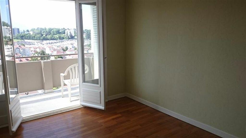 Appartement à louer 3 70m2 à Voiron vignette-5