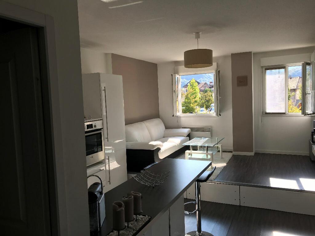 Appartement à louer 1 27m2 à Saint-Étienne-de-Crossey vignette-2